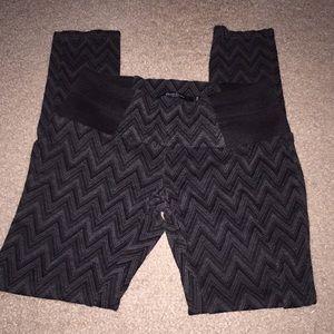 Like new leggings. Grey and black valor